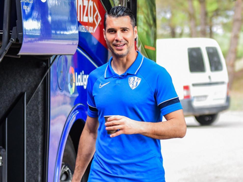 Andrés sonríe momentos antes de subir al bus para viajar a San Sebastián.