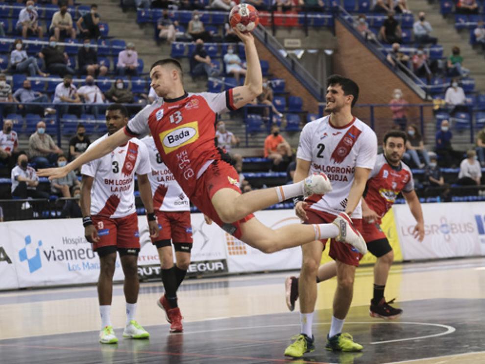Domingo Luis es el único lateral zurdo con el que cuenta el Bada Huesca para Valladolid.