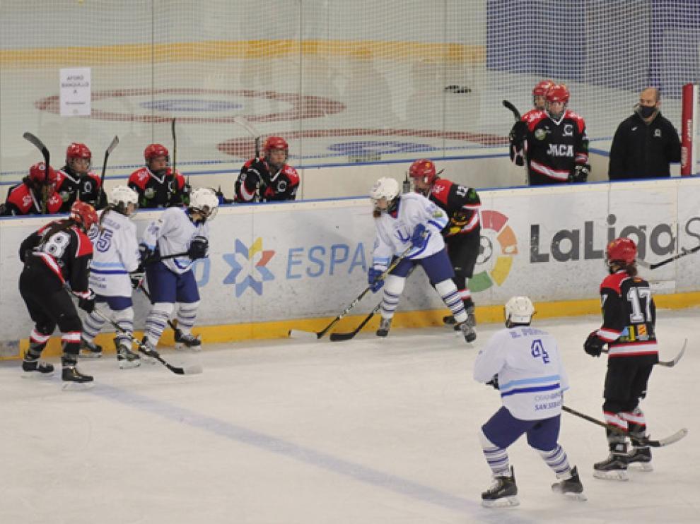 El partido se celebra este sábado, a partir de las 21:30 horas, en el pabellón de hielo de Jaca.