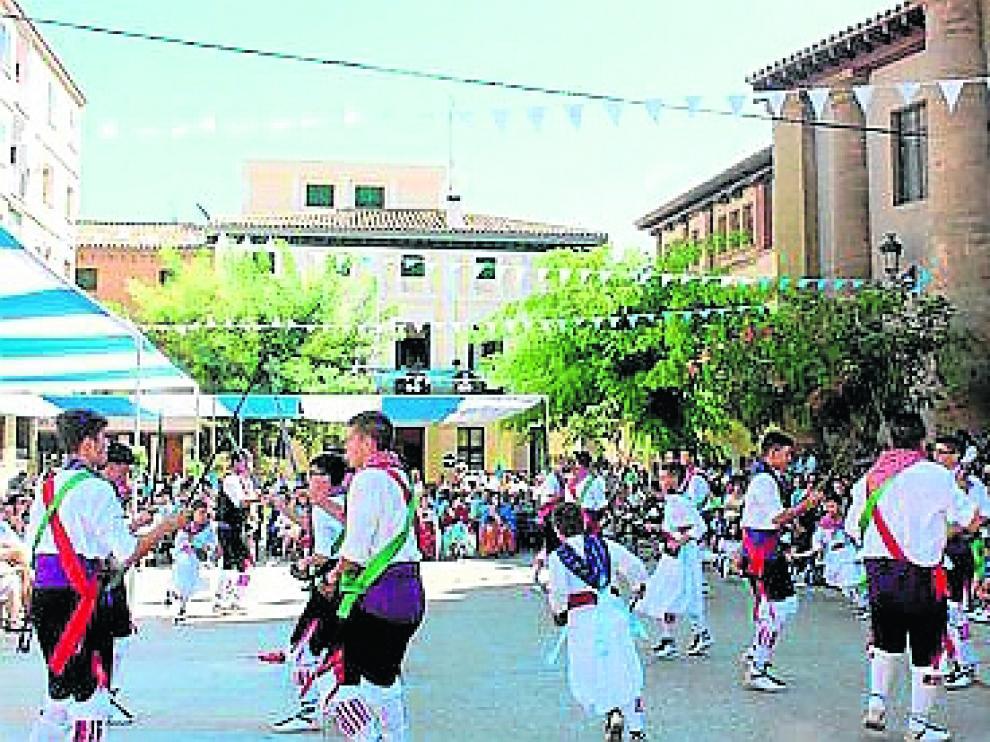El Encuentro gira en torno al folclore monegrino