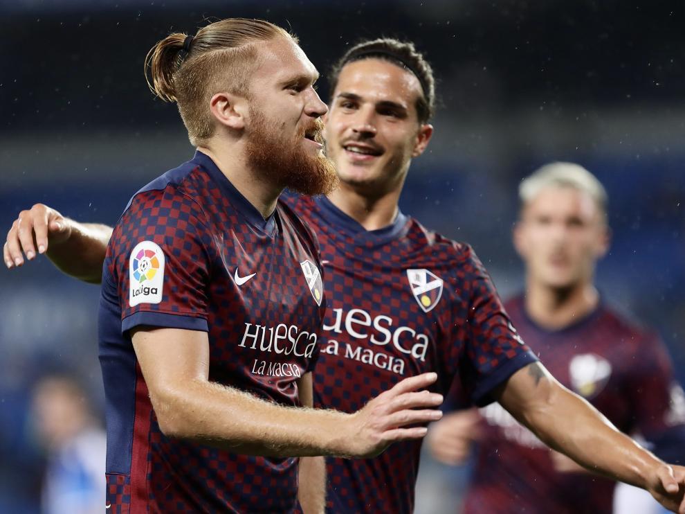 Pitta celebra el gol que adelantó al Huesca en el marcador.