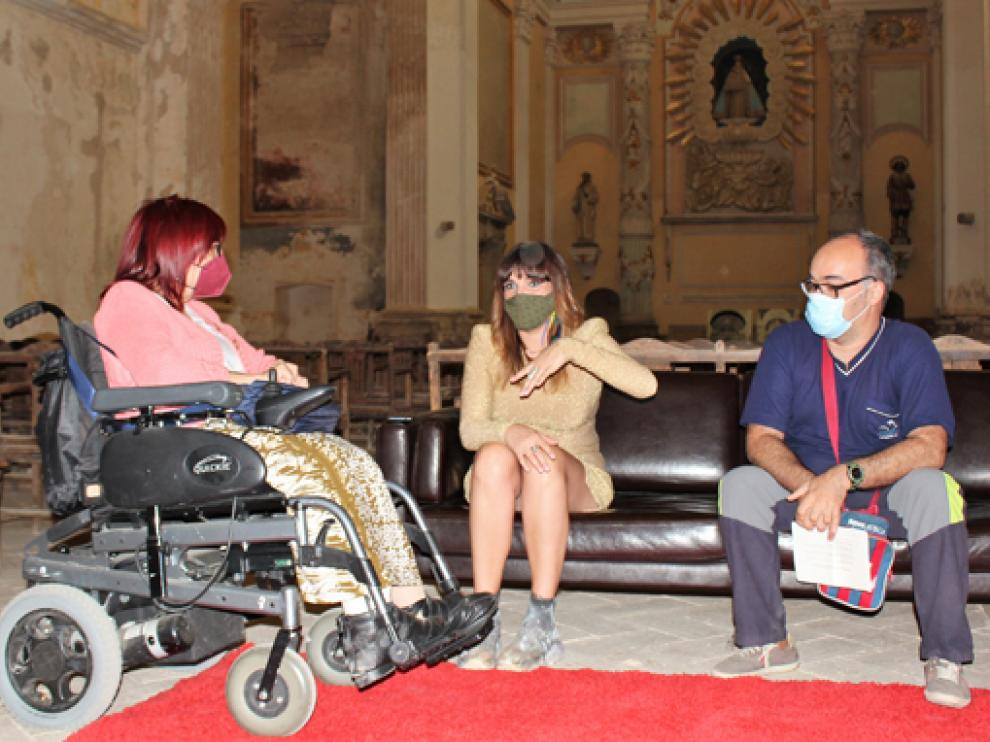 Concha Lisa y David Pérez conversan con Rozalén.
