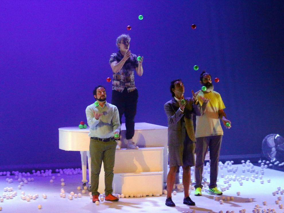 Pistacatro Productora de Soños sorprendió en el Olimpia con Drop.