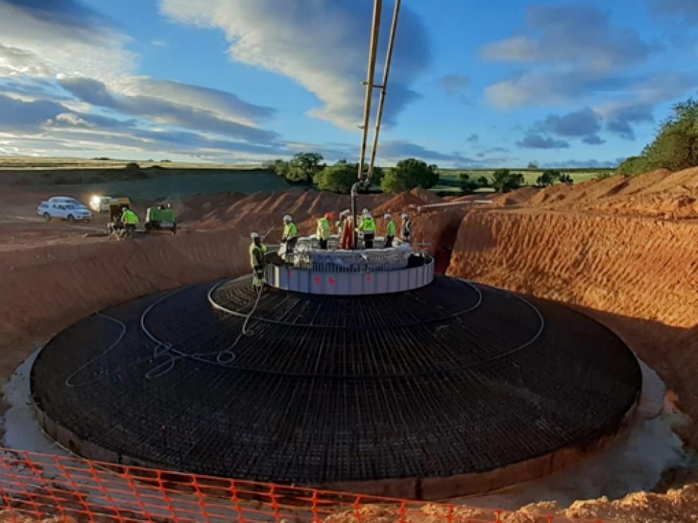 Imagen de la construcción del parque eólico.