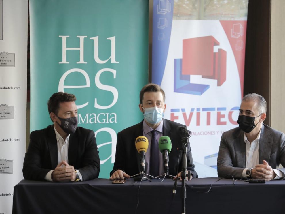 Fernando Blasco, Antonio Orús y Pablo Lera, en la presentación del patrocinio.
