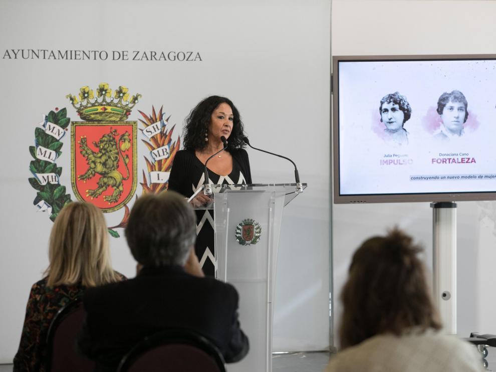 Magdalena Lasala en la presentación de su libro en el Ayuntamiento de Zaragoza.