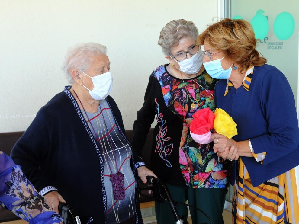 """La consejera de Ciudadanía y Derechos Sociales, María Victoria Broto, ha visitado la residencia municipal """"María Antonia Brusau"""" de Tardienta"""