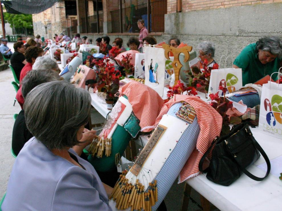 """Naval enraíza """"pasado y presente"""" y """"cómo las mujeres llevan tejiendo y cuidando esa memoria""""."""