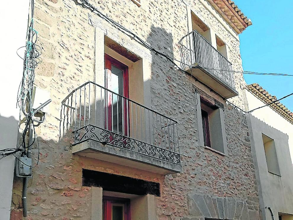 Edificio de apartamentos en el núcleo de Ponzano para nuevos pobladores.