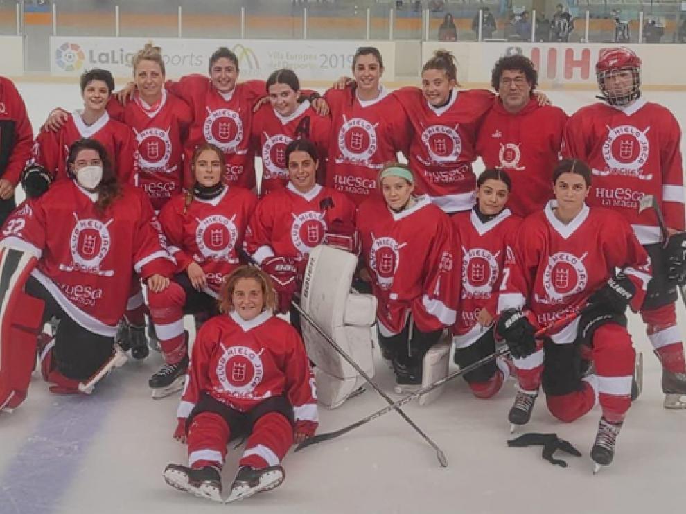 Equipo femenino del Club de Hielo Jaca
