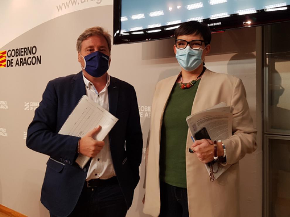 José Luis Soro y Verónica Villagrasa, en la presentación de la convocatoria de ayudas para adquirir viviendas en Aragón.
