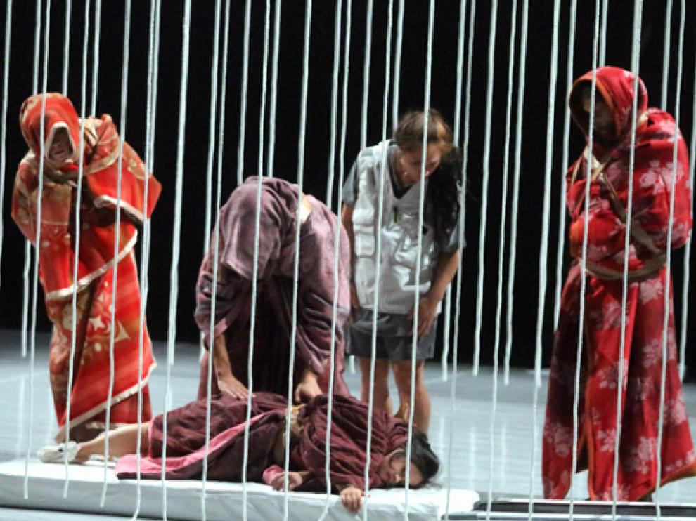 La compañía Vero Cendoya en su espectáculo inclusivo Bogumer (o hijos de Lunacharski).