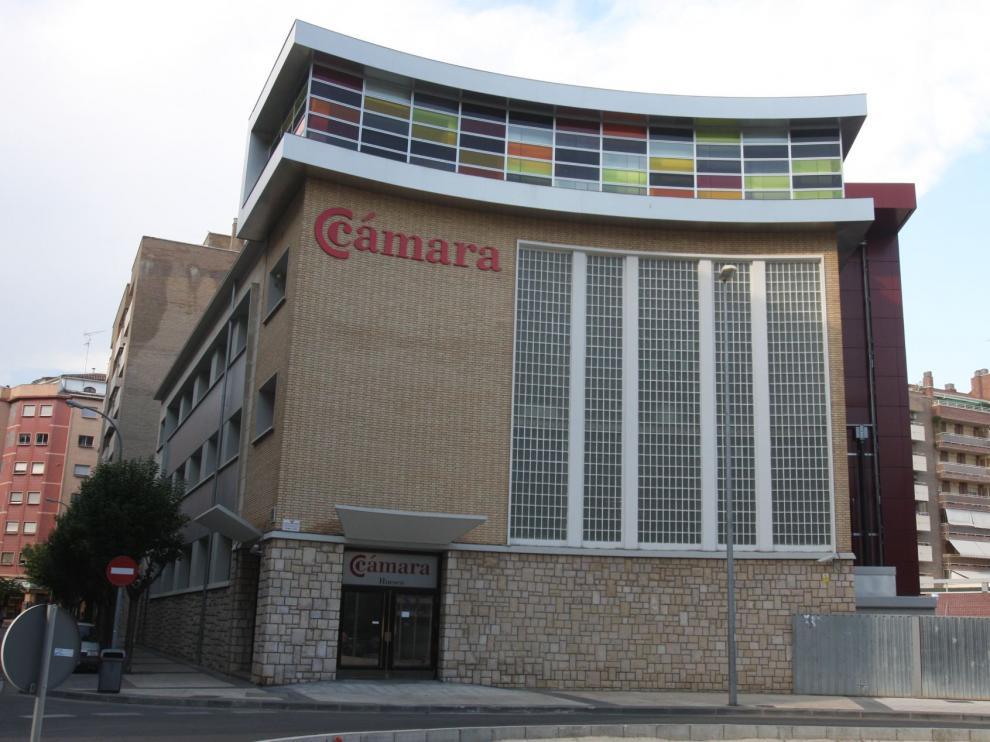 Edificio de la Cámara de Comercio en Huesca.