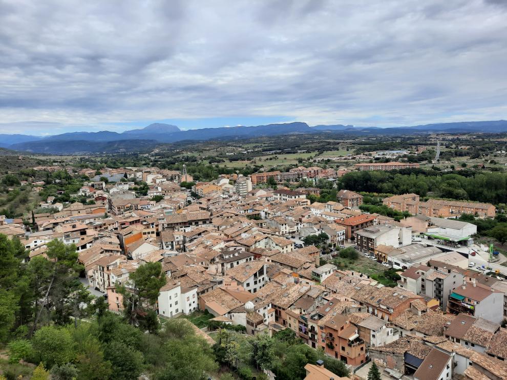 Las impresionantes vistas sobre la villa de Graus y el paisaje ribagorzano desde la Virgen de la Peña.