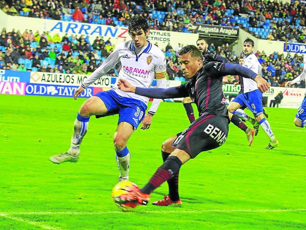 Real Zaragoza y Huesca empataron a tres goles en el derbi de la temporada 15/16 en La Romareda.