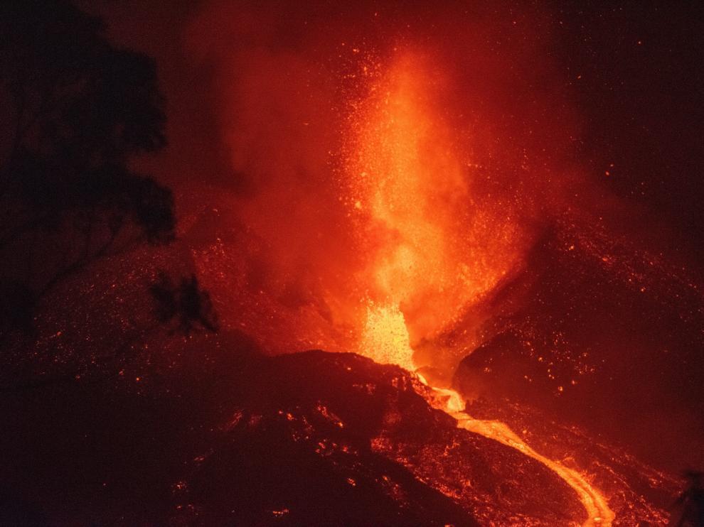Volcán de La Palma tras el derrumbe de parte del cono