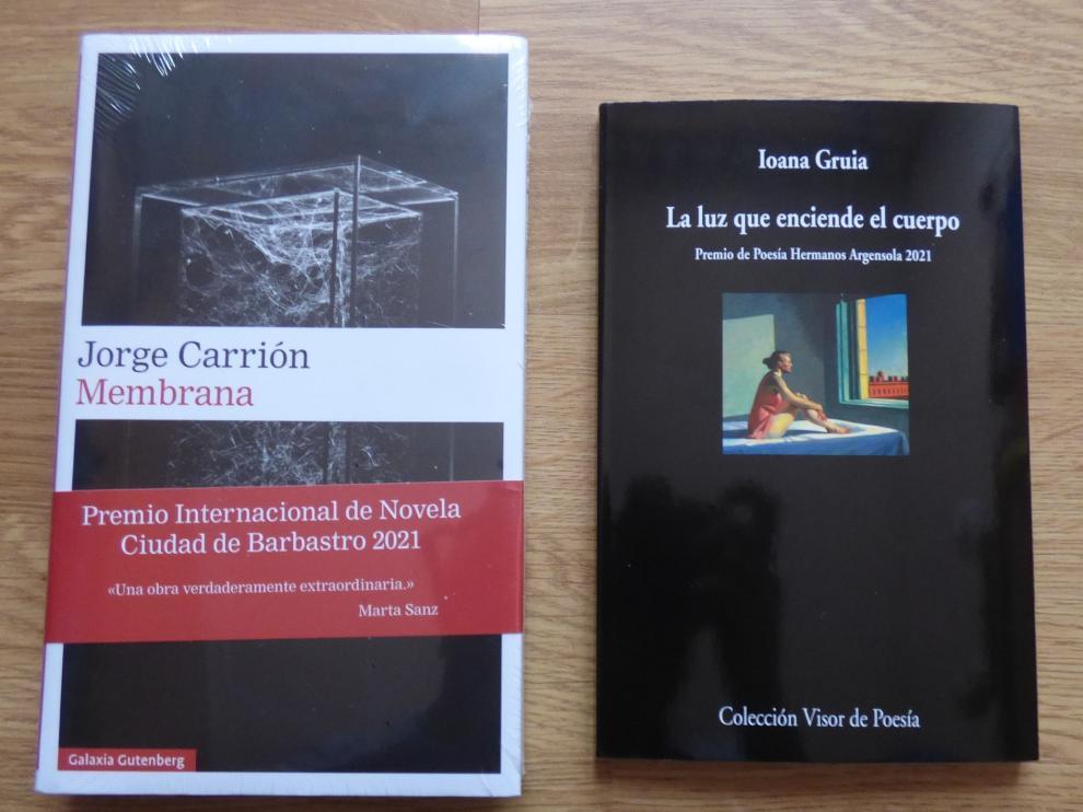 En la imagen, las obras ganadoras de los premios Internacional de Novela Ciudad de Barbastro y Poesía Hermanos Argensola.