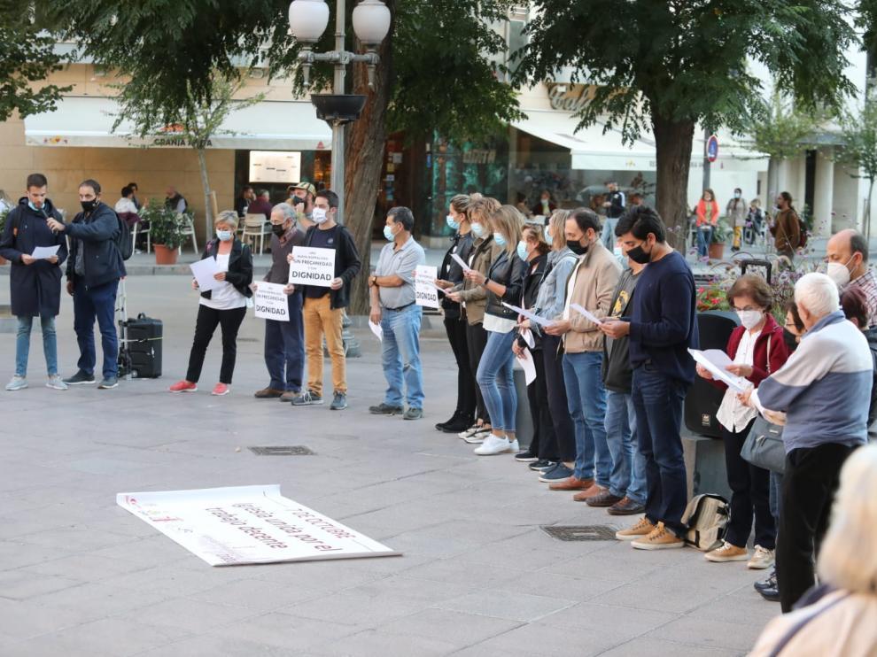 Lectura del manifiesto en la protesta realizada en Plaza Navarra por parte de la Iglesia por el Trabajo Decente.