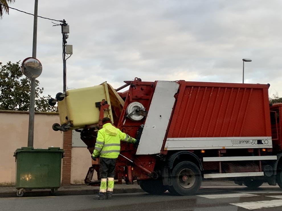 Recogida de residuos en Monzón.