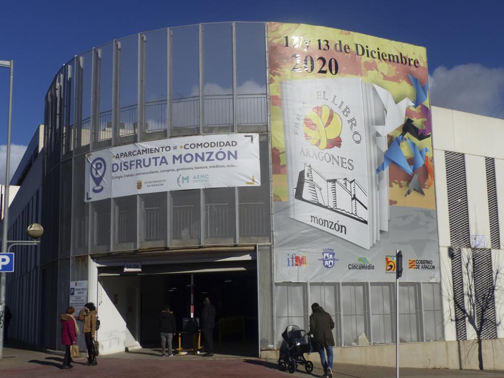 En la imagen, el cartel de la edición del año pasado de la Feria del Libro Aragonés de Monzón.