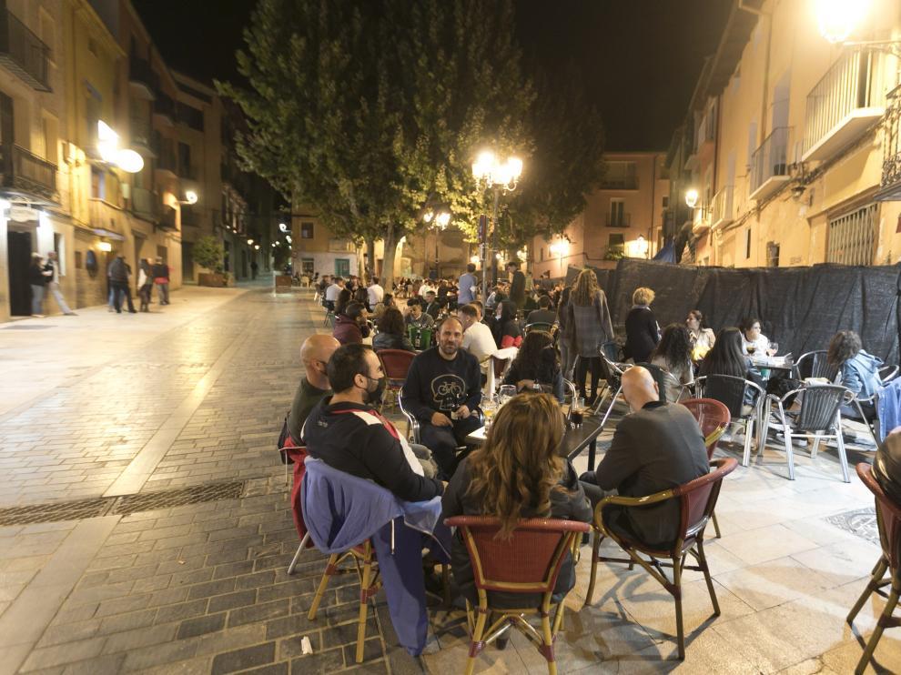Terrazas por la noche en Huesca