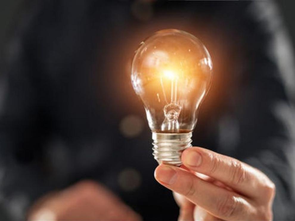 La electricidad supera de media en octubre los 200 euros/MWH