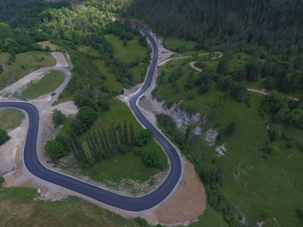 Imagen del nuevo tramo entre la A-1605 y Espés Alto.