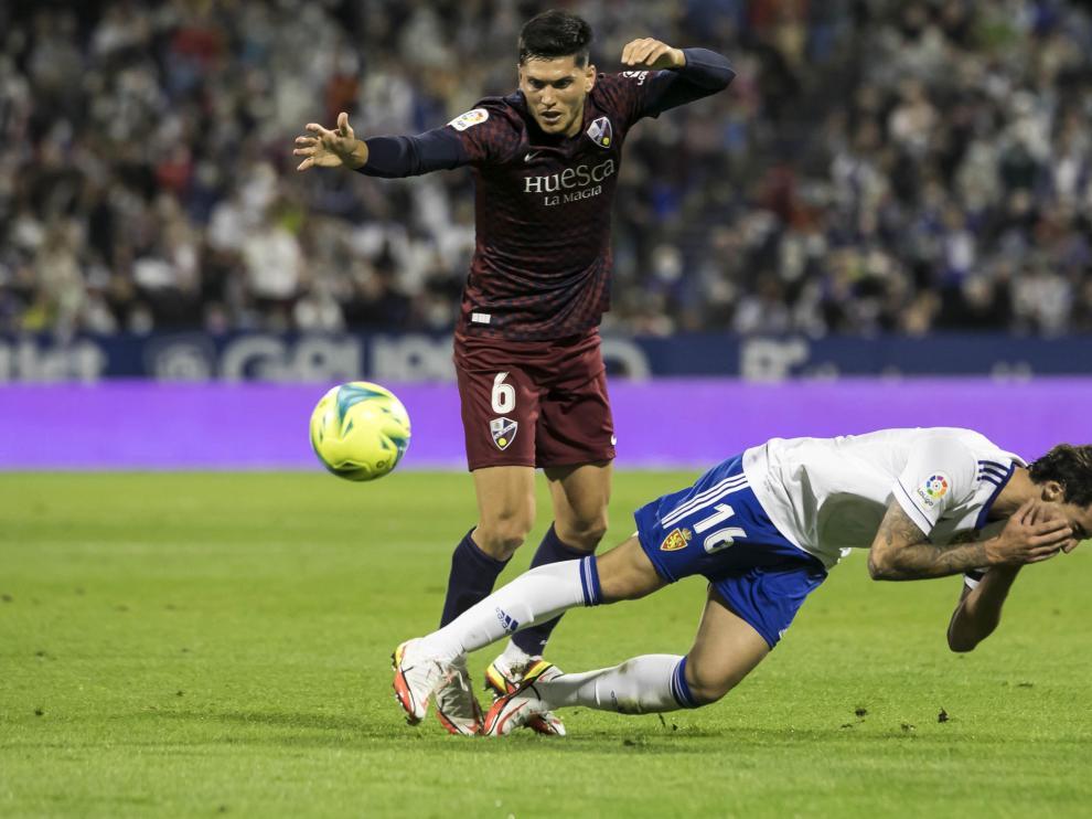 Cristian Salvador volvió en La Romareda tras perderse tres partidos.