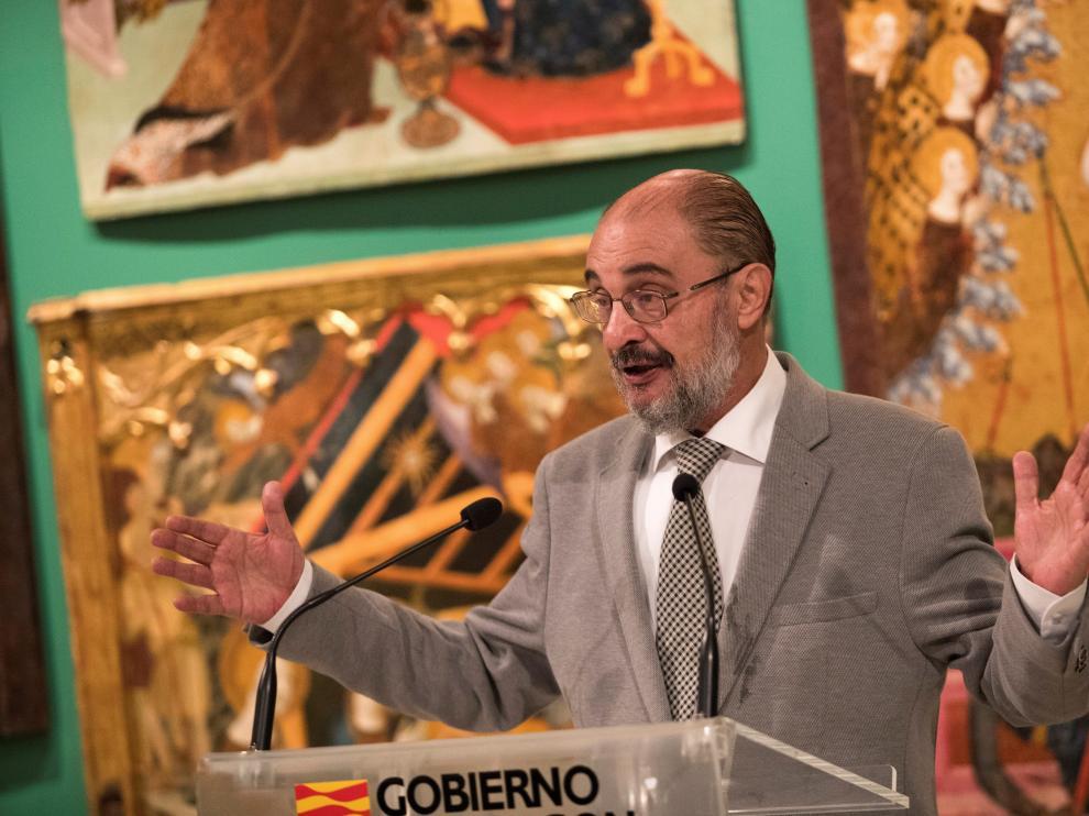 El presidente del Gobierno de Aragón, Javier Lambán, en la inauguración del nuevo espacio dedicado al arte gótico en el Museo de Zaragoza.
